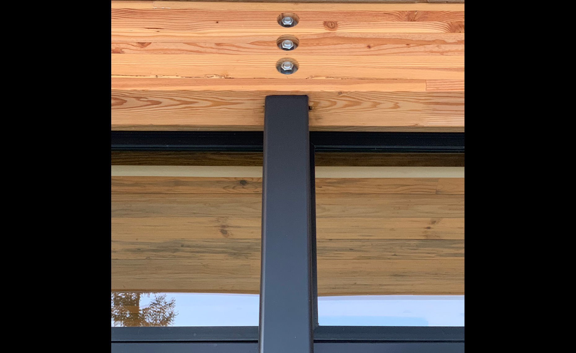 Baxter_Exterior_close-up-glulam