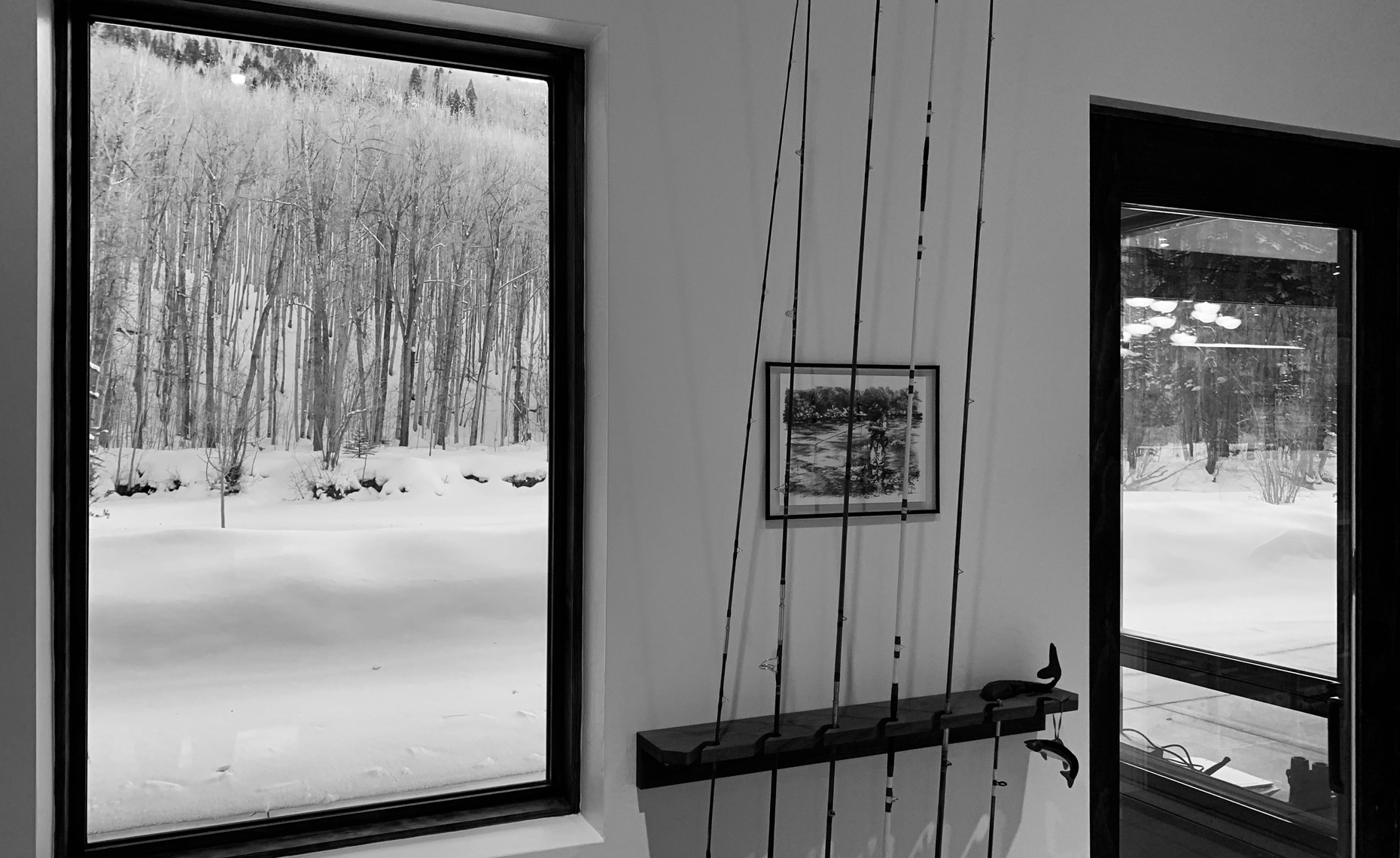 Baxter_Interior_BW-fishing-poles